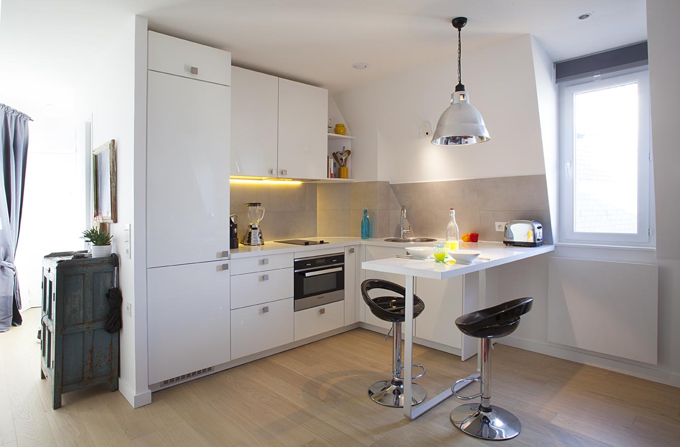 surmonter les contraintes en cuisine. Black Bedroom Furniture Sets. Home Design Ideas