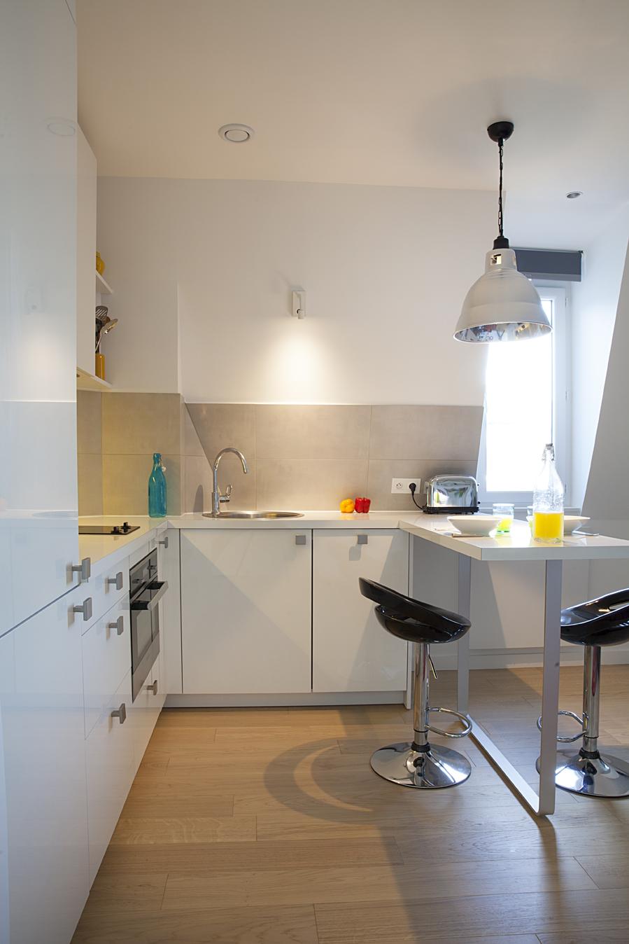 petite cuisine blanche