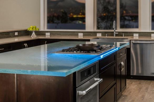 one by novy une table de cuisson avec hotte int gr e cuisines et bains. Black Bedroom Furniture Sets. Home Design Ideas