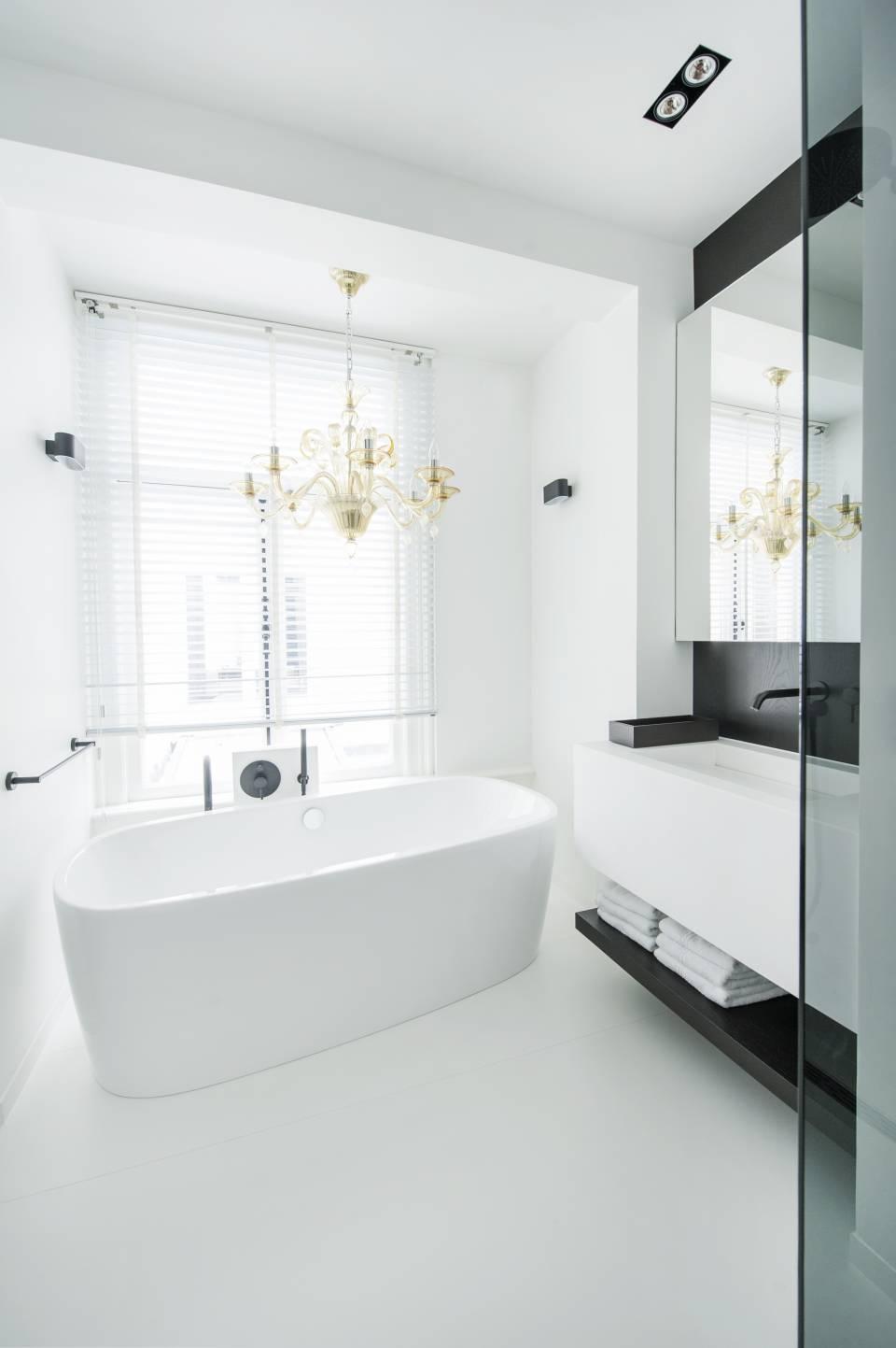 Cuisine et salle de bains optent pour le hi macs for Cuisines et bains