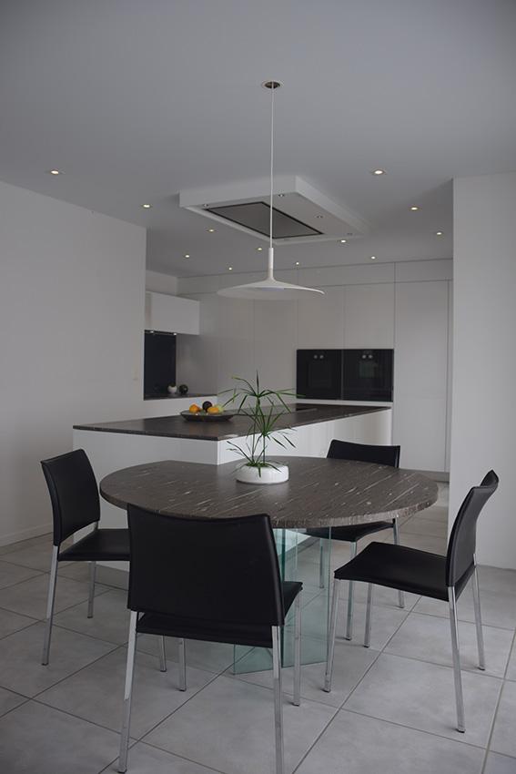 charles rema la cuisine se fond dans le d cor cuisines et bains. Black Bedroom Furniture Sets. Home Design Ideas