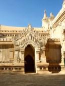 Ananda Temple, Bagan–facade