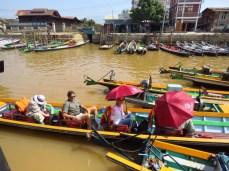 Myanmar–Inle Lake Boat Ride Begins