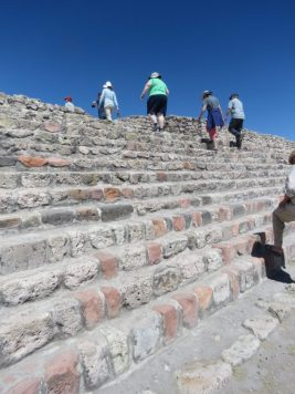 Up we go!–Cañada de la Virgen, San Miguel de Allende