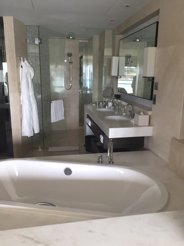 Park Hyatt, Sydney–elegant bathroom