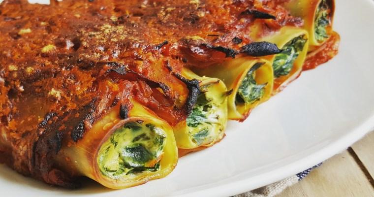 Cannelloni aux épinards, ricotta & sauce tomate