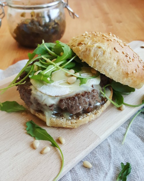 Hamburger au rocamadour et chutney de figues cuisine ta for Cuisine ta ligne