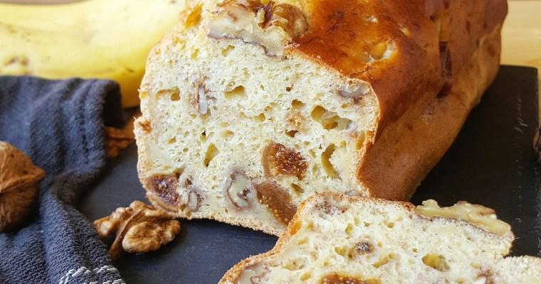 Banana bread/cake à la banane aux noix et figues séchées