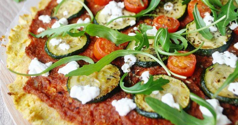 Pizza base chou-fleur à la courgette et au chèvre frais