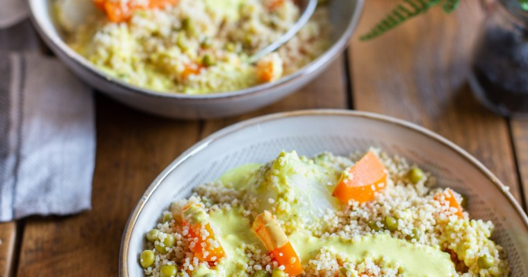 Semoule aux légumes et sa sauce au chèvre et curry
