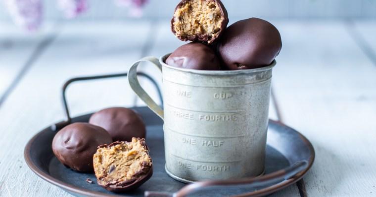 Cookie dough balls vegan au beurre de cacahuète et chocolat