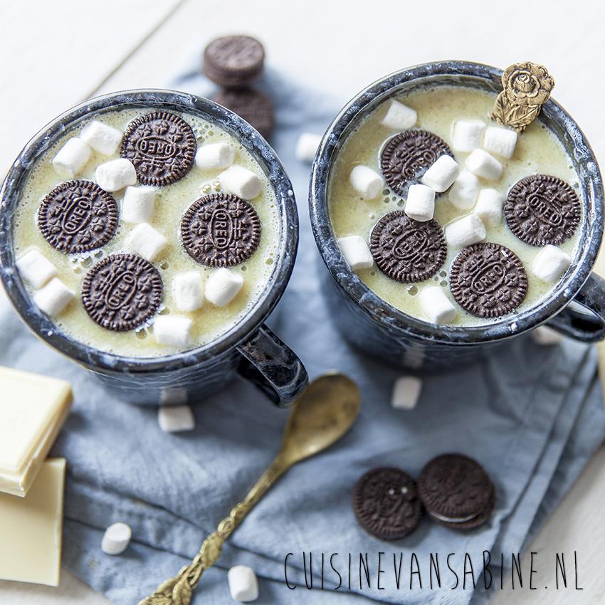 Witte chocolademelk met oreo3