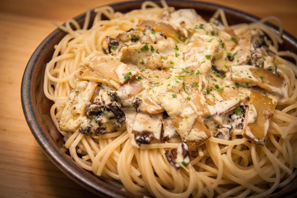 Spaghetti aux tomates s ch es et lani res fum es v gane - Cuisine thai pour debutants ...