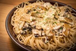 Spaghetti aux tomates séchées et lanières fumées cuisine végane pour débutant recette vegan facile