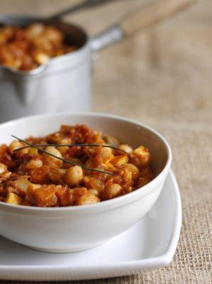 Curry à la tomate de haricots coco {végétalien}