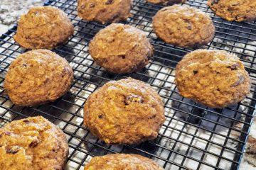 Healthy oatmeal raisin cookie
