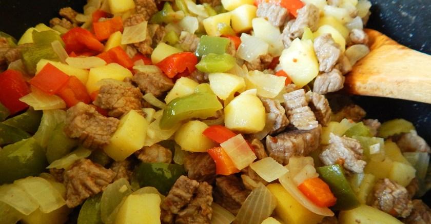 relleno empanadas carne cortada cuchillo