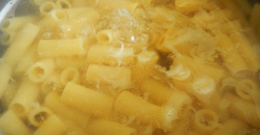 fideos al horno con salsa muddica