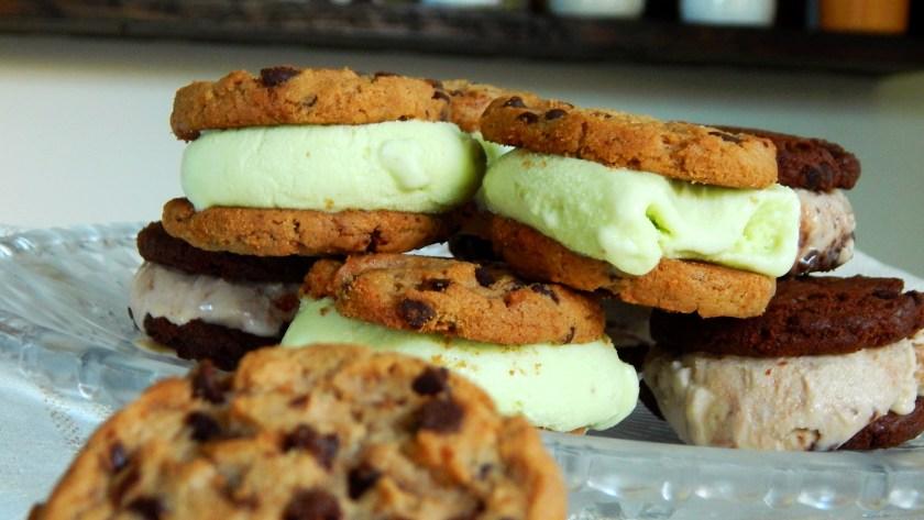 ice cream sandwich alfajor helado