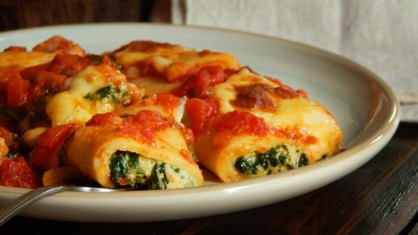 canelones de verdura masa casera salsa relleno