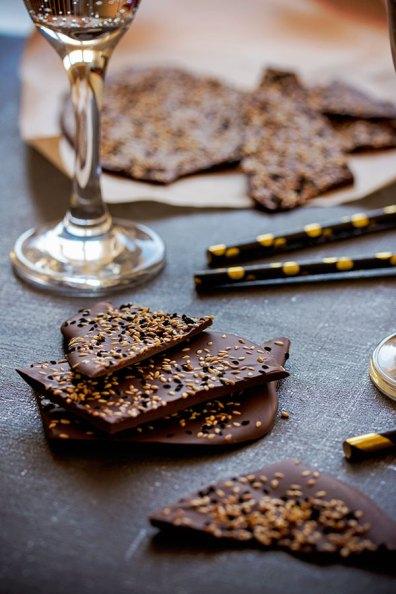 Čokolada s crnim sezamom