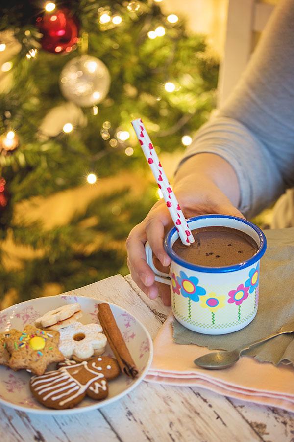 Vruća čokolada i keksi