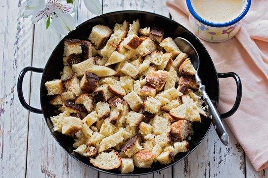 Priprema bread puddinga