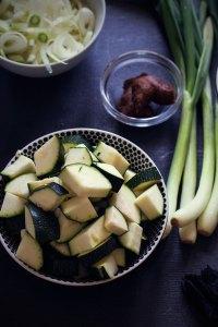 Priprema povrća za miso juhu