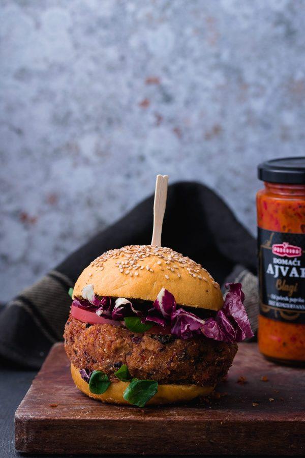 Veganski burgeri s ajvarom