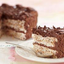 Tort cu blat alb si crema de ciocolata