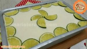 Bolo Fofinho Gelado de Limão na Forma