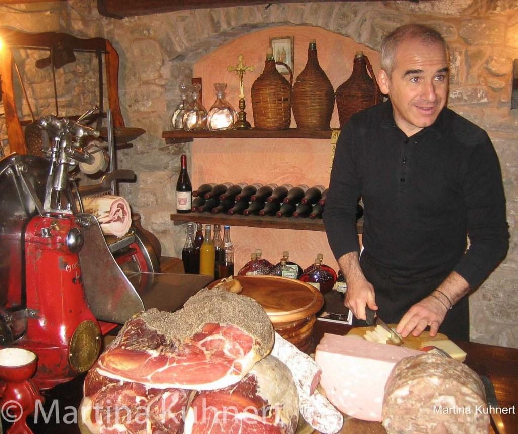 food tour bologna, how to find a good restaurant