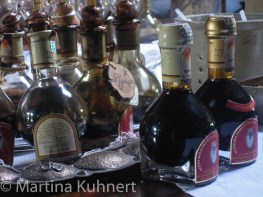foodie tour bologna, balsamic vinegar