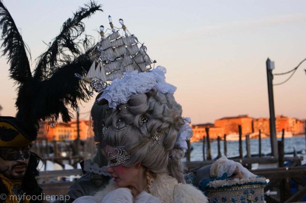 carneval in venice, costume