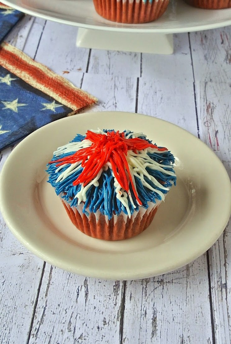 Memorial Day firework cupcakes