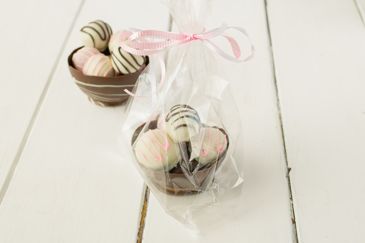 Chocolate truffle bowls - Truffles coated in white chocolate and presented in a chocolate bowl. Makes a great gift