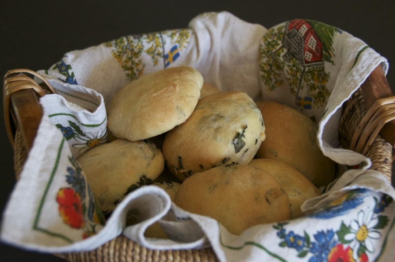 Middle Eastern oregano buns