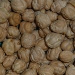 dried chickpeas or garbanzo beans