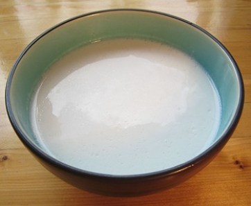Coconut milk from can