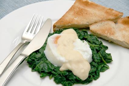 Eggs Florentine dish