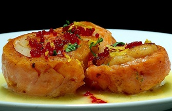 salmon wrapped scallops with beurre blanc sauce and caviar