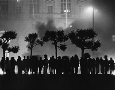 """Rioters outside San Francisco City Hall on May 21, 1979 after voluntary manslaughter verdict for Dan Whitle, murdered of Harvey Milk and Mayor George Moscone. Trial origin of the myth of the """"Twinkie Defense"""""""