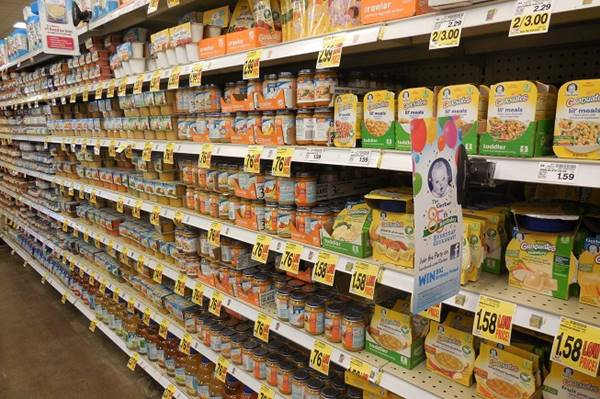 baby food aisle at grocery store