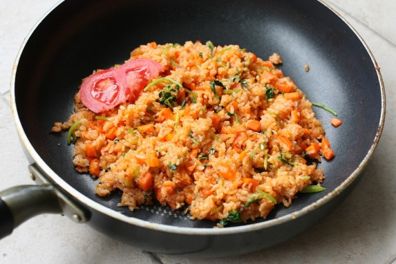 freshly made fried rice in wok