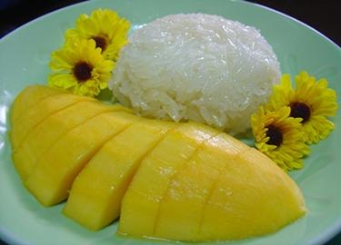 sticky rice and mango dish