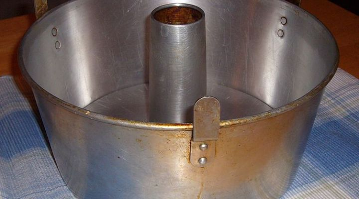 Tube pan or Angel Food Cake pan