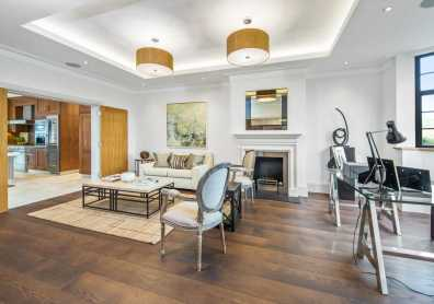 a-large-house-in-wimbledon-home-staged-by-Cullum-Design-London-UK-10