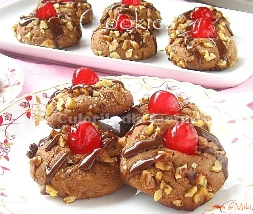 Cookies cu ciocolata & nuci & cirese confiate 2-1