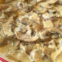 Ciuperci in sos cremos cu mustar