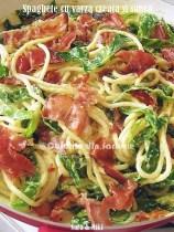 Spaghete-cu-varza-creata-si-sunca1